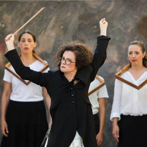 Festival AMPLIÓN | Divadelný spevácky zbor (SLO): UPS!